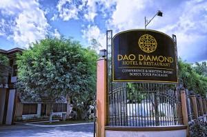 Dao Diamond Hotel and Restaurant enterance